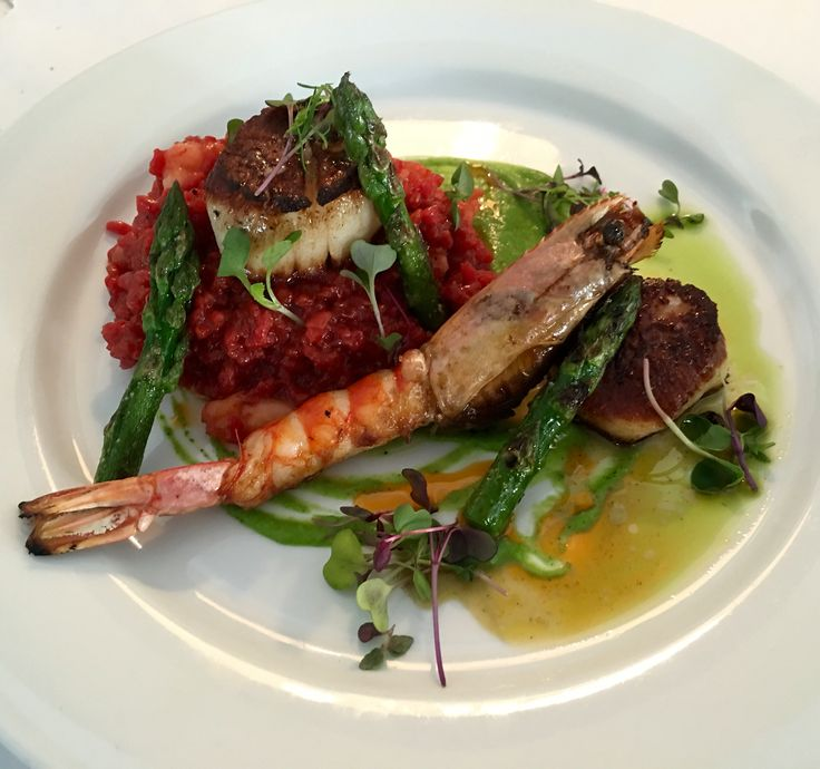 Patagonian Deep Water Langoustine With Giant Scallops On
