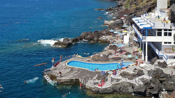 Traumpool direkt am Atlantik - das Hotel Galosol überzeugt! http://www.neuewege.com/Yoga-Reisen/Portugal/Madeira/Hotel-Galosol-Sich-selbst-mit-Vini-Yoga-neu-erspueren-_5PTS0401