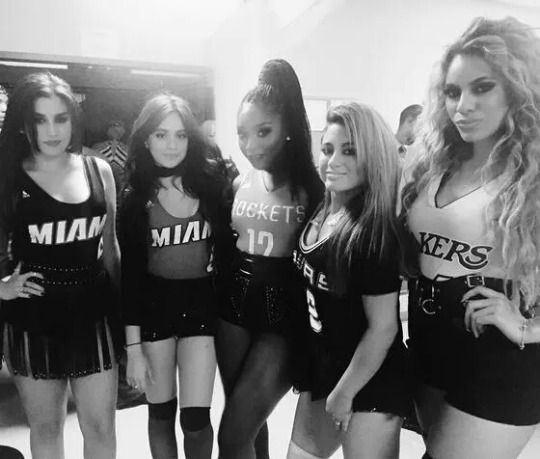 FIFTH HARMONY ♡ preparing now, most powerful show that rears afrontão rebola the fiery