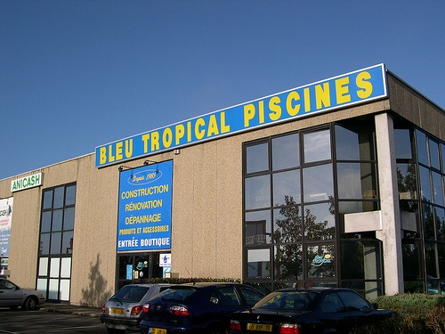 69 best images about magasins hydro sud on pinterest for Piscine maurepas