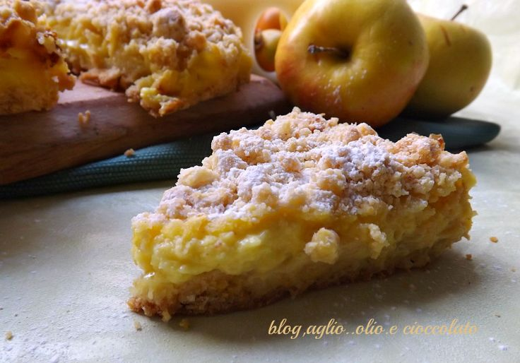 La Sbriciolata con Crema di Limone e mele,è un miscuglio di delicati sapori,veramente buono!!!! Adoro questo tipo di dolce