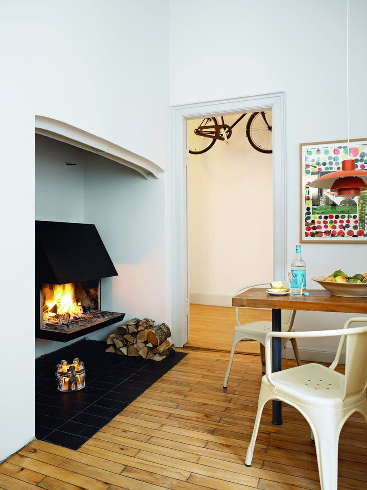 Impressive fireplace in the kitchen, designed by architect Niels Fagerholt.