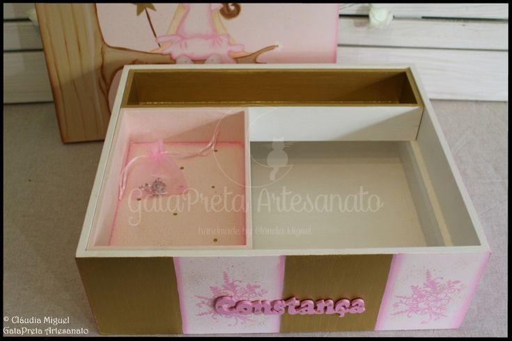 """Caixa grande de batizado """"Flower Fairy""""."""