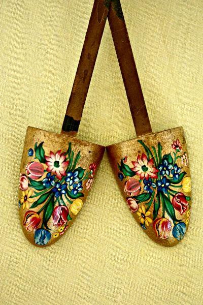 Kleurrijke schoenen spanners