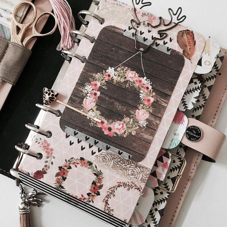 #floralwreaths #planneraddict #plannernerd #plannerfriend #pens #deer #tiger #washi #filofax #filofaxnude