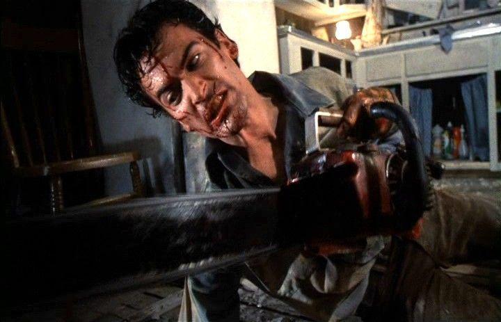 Bruce Campbell ne La Casa 2 - Evil Dead 2 di Sam Raimi