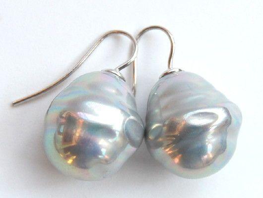 Barok parel oorbellen groot licht grijs:zilver