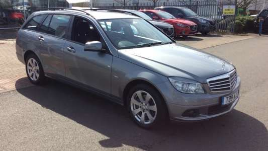 Used 2011 ( reg) Silver Mercedes-Benz C Class C220 CDI BlueEFFICIENCY SE 5dr Auto for sale on RAC Cars