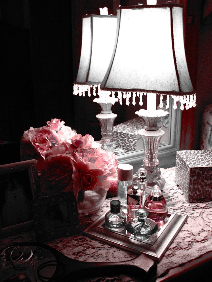 boudoir decorating perfume bottles on my nightstand why didn 39 t i think of that before. Black Bedroom Furniture Sets. Home Design Ideas