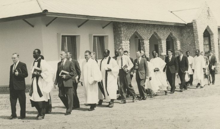 Missionaries and Nigerian pastors at Theological College