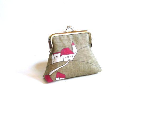 Case sulla collina frizione borsa rosso grigio bianco di maplemist, $18.99