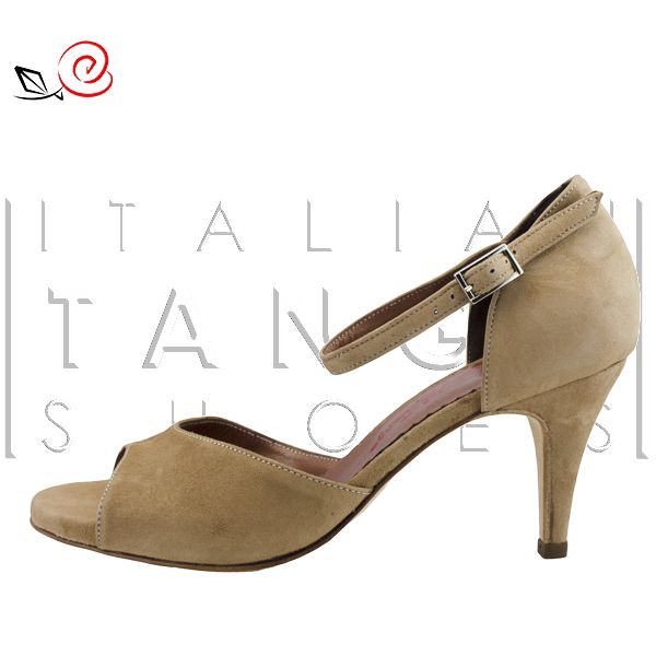 Woman tango shoes in brown suede Simple but essential! http://www.italiantangoshoes.com/shop/en/women/324-la-rosa-del-tango.html