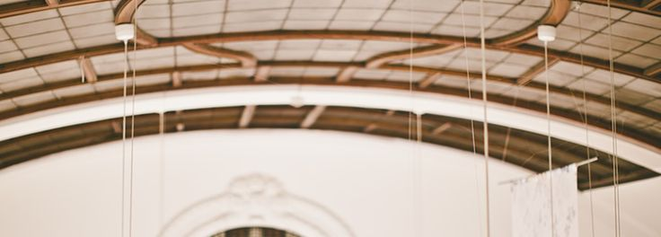 Tapetbutik i Göteborg och online hos Engelska Tapetmagasinet | Glastak | Tapeter | Färgbutik | Sömnad | Inredningsbutik |Tyger | Göteborg | Interior Shop | Showroom | Glass Ceiling
