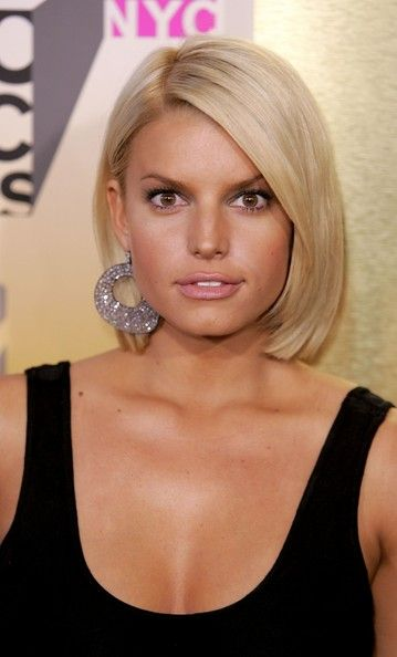 angled bob haircut pictures best 25 med haircuts ideas on med hair 4328