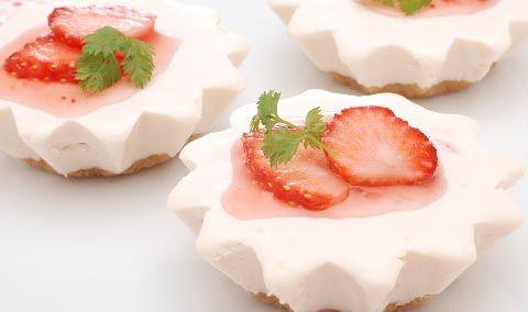 苺のミニチーズケーキ - Philadelphia Kitchen