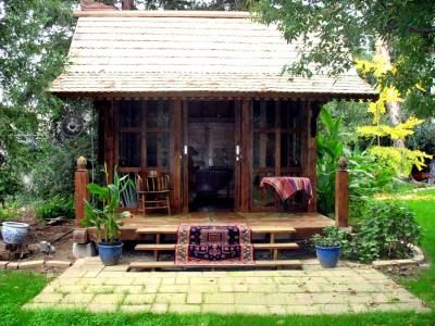 Like the covered porch.House Guest, Tiny Cabin, Tiny House, Backyards Studios, Guest House, Tiny Cottages, Small House, Covers Porches, Meditation Room