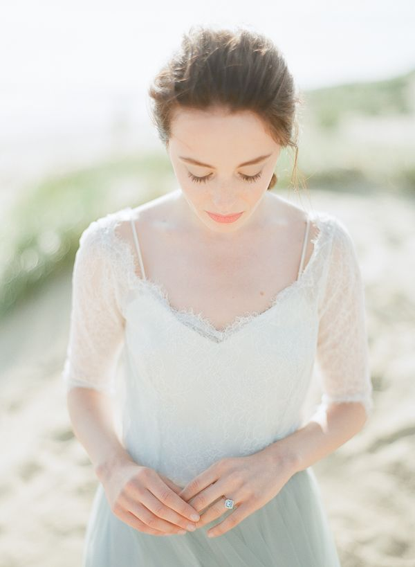 Elegant Bride   Romantic Coastal Editorial Inspired by Shakespeare
