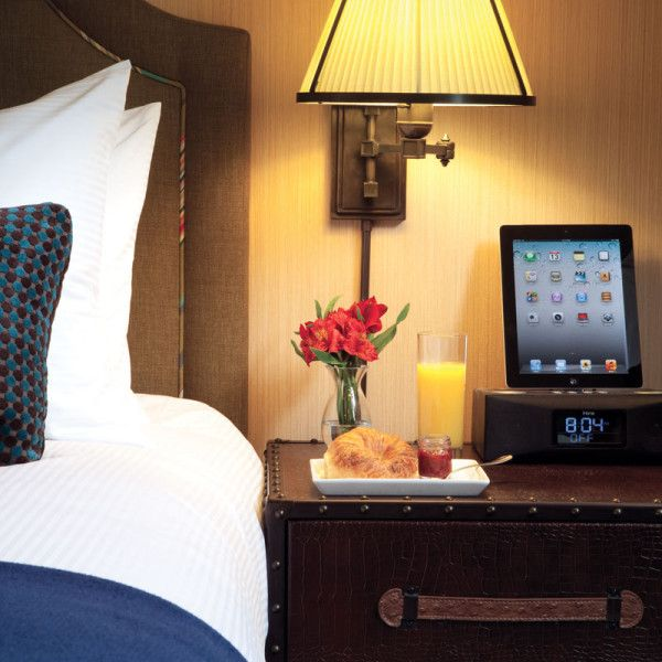 Hotel Lincoln Is A Boutique With Guestrooms And Suites Near Park Depaul University Zoo Wrigley Field North Avenue Beach