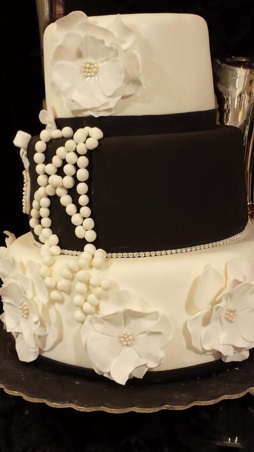 BLACK AND WHITE WEDDING CAKE - Cake by Christina Papadopoulou