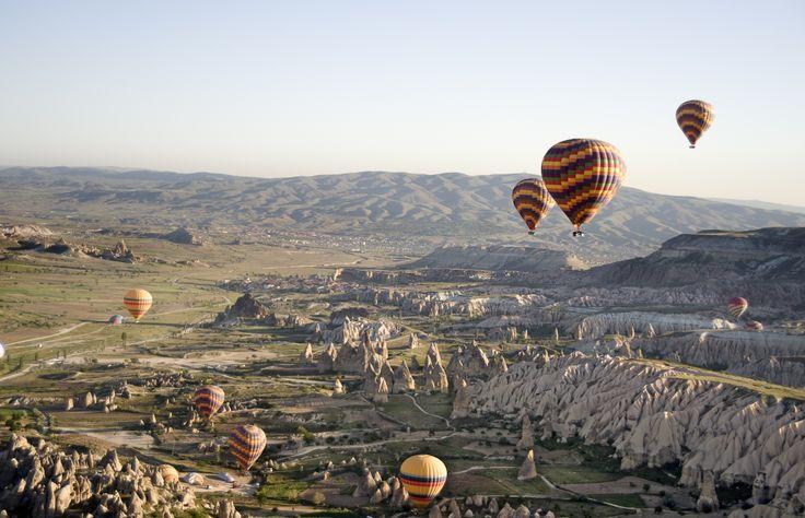 Turquie  #montgolfière #landscape #amazing #view #travel #experience http://www.terresdecharme.com/hotel-istanbul-voyage-cappadoce_sejour-turquie-luxe_voyage-sur-mesure.aspx