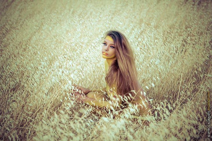 model : Sarra Germanou photo: Spyros Agrianitis