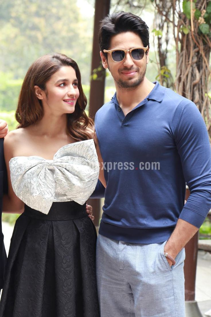 Sidharth Malhotra and Alia Bhatt at a #KapoorAndSons promo event. #Bollywood #Fashion #Style #Beauty #Sexy #Cute