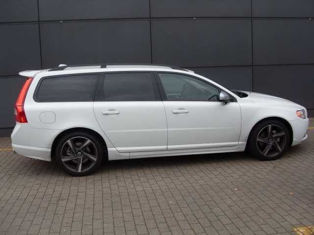 Volvo V 70 D 5 DPF R-Design dark grey wheels