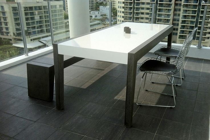 POPconcrete Fiksu Dining Table with White laminated centre
