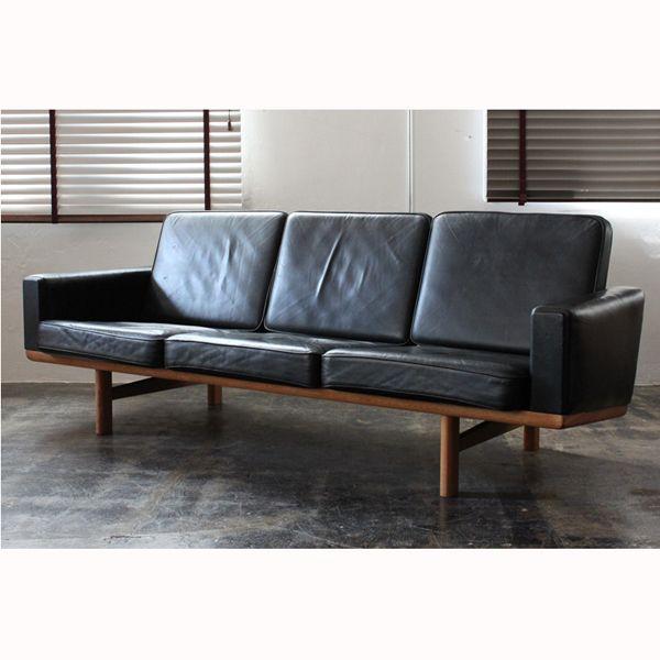 Vintage(ヴィンテージ) GE236 3seat sofa / Hans J Wegner:ミッドセンチュリーモダン | ソファ | デンマーク製 | 東京、目黒通りにあるインテリアショップカーフ、ブラックボードのオンラインサイトです。オリジナルデザインの家具や、北欧,英国ビンテージ・アンティーク・インダストリアル家具・照明を取り扱っております。