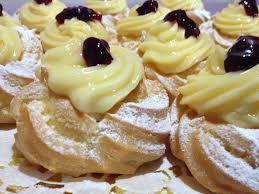 Neapolitan cakes: zeppole di San Giuseppe