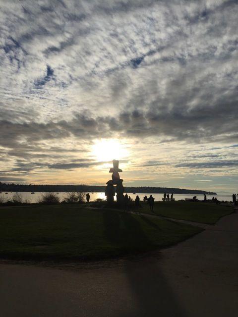 夕日が綺麗なイングリッシュ・ベイ。バンクーバー 旅行・観光おすすめスポット。