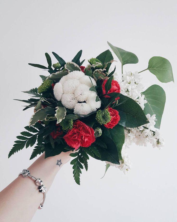 �� wszystkiego najlepszego dla wszystkich mam. robicie kawał ciężkiej i ważnej roboty. powiedziałabym, że najważniejszej �� • • • #dzienmamy#mothersday#flowerslovers#flowerstagram#moodygrams#inspiremyinstagram#igers#freshflowers#mood#pandoralover#wristtattoo#clickinmoms#polishmum#vscomoment#vscogood#igmasters http://gelinshop.com/ipost/1523169658105048331/?code=BUjYrvkAS0L