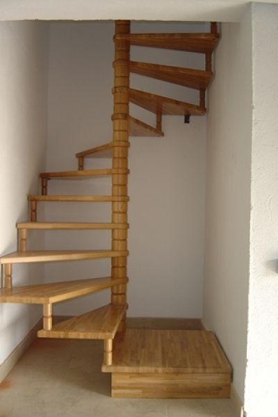 Spiral staircase square google search lofts stairs pinterest search staircases and - Escaleras de caracol en madera ...