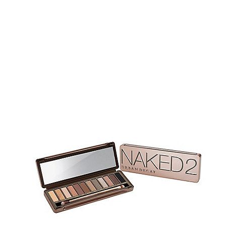 The most anticipated sequel of the decade, Urban Decay Naked 2 follows in the footsteps of the Naked palette, (straight up - the world's best-selling palette of all time). This new Urban Decay eyeshadow palette is filled with 12 pigment-rich, taupe and greige neutral eyeshadows, including FIVE EXCLUSIVE NEW shades. Feast your eyes on shades ranging from pale to deep, matte to sparkly. This collection lets you achieve many neutral looks, smoky dramatic eyes, and everything in between. Let's…