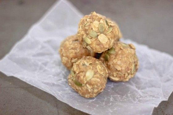 """Healthy No-Bake Peanut Butter Bites  ~  Make for a great breakfast """"on the go"""""""
