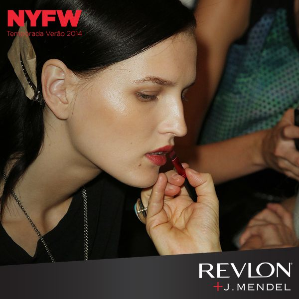 Desfile J. Mendel. Maquiagem Gucci Westman, Revlon.
