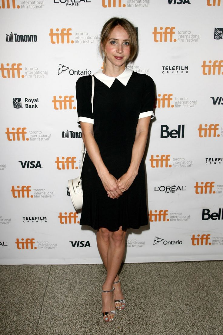 "Zoe Kazan adds a collar and keeps it classic at the ""Love & Mercy"" premiere - TIFF Fashion"