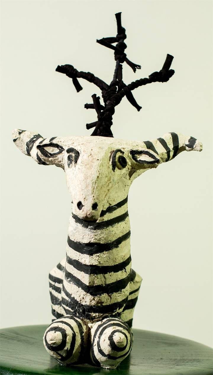 """""""Versos a uma cabrinha que eu tive"""" (Vitorino Nemésio), Escultura  Animais original por Alberto Péssimo"""