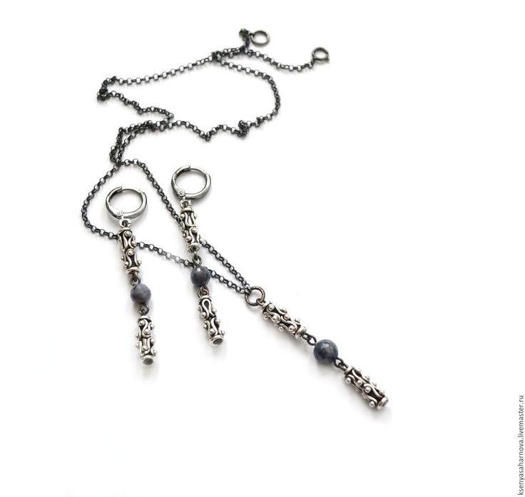 Купить Серьги и кулон серебряные с сапфирами Line (серебро 925, черный родий)