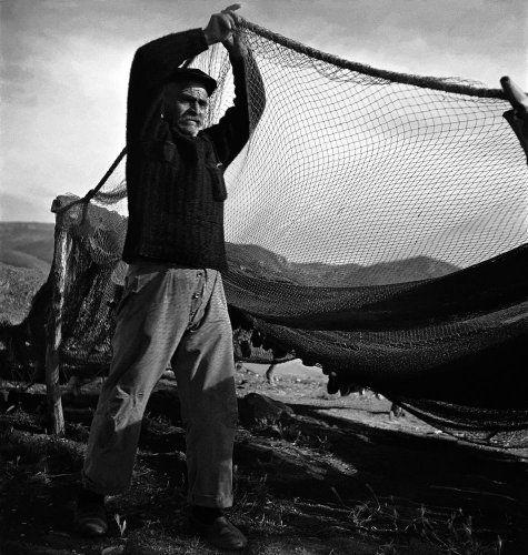 Άπλωμα διχτυών. 1950-1953 Βούλα Θεοχάρη Παπαϊωάννου