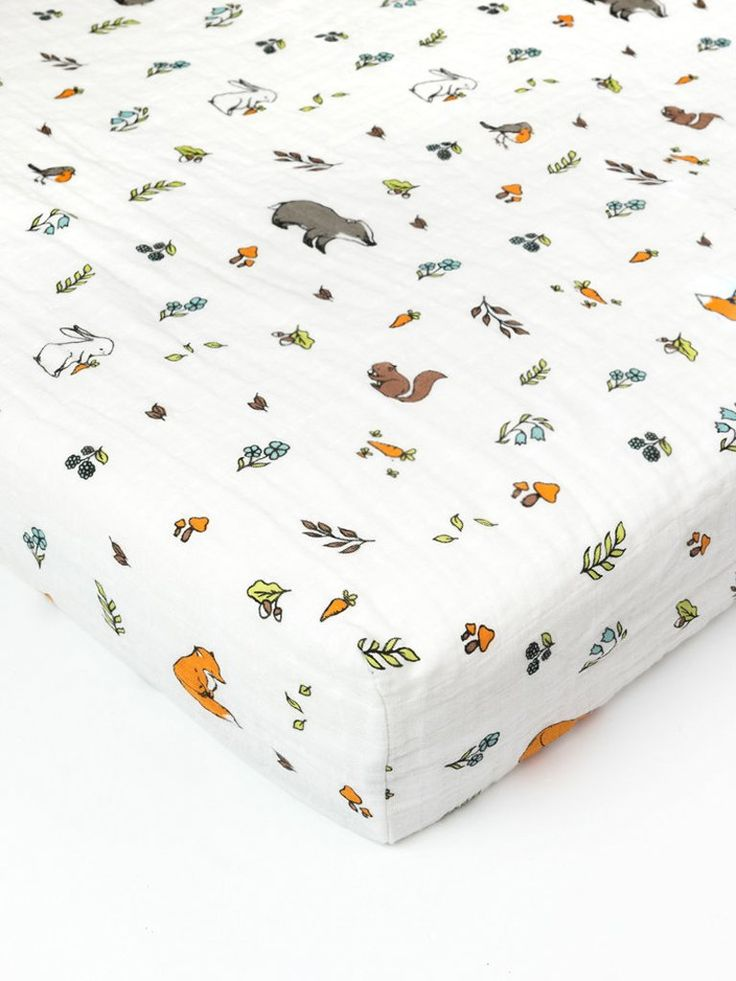 Organic cotton muslin fitted cotbed crib sheet 130x70 to 140x70cm - Into the woods - Little Blue Nest