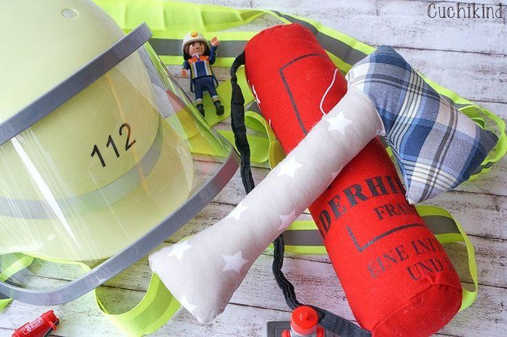 Ganz schnell ein tolles Feuerwehrkostüm selbst nähen: http://cuchikind.blogspot.de/2015/02/finn-der-kleine-feuerwehrmann.html