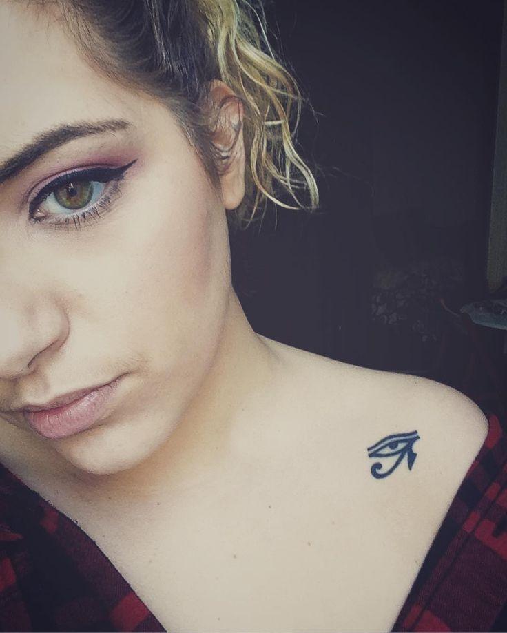 O olho de Horus tem vários significados, entre eles a proteção contra energias ruins. Saiba mais sobre esse símbolo que é frequentemente visto em tatuagens.