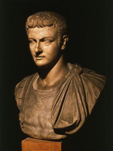 Calígula (Cayo Julio César Germánico),  el emperador romano, como un hombre joven