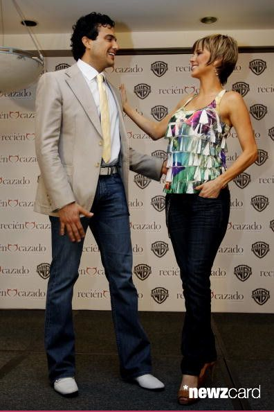 Jaime Camil (L) and Gabriela Vergara pose for a portrait during the Recien Cazado photocall at the Four Seasons Hotel on August 20 in Mexico City, Mexico. (Photo by Hector Vivas/Jam Media/LatinContent/Getty Images)