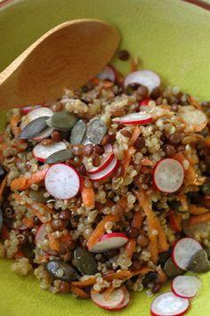 Salade quinoa lentilles carottes et radis aux graines de courge