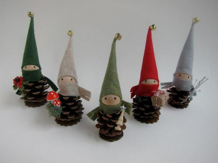 Pinecone Elves Transform fallen Pinecones with some Felt into magickal Pinecone Elves ( or Fairies if you add wings )    use them for decorations or anything you like