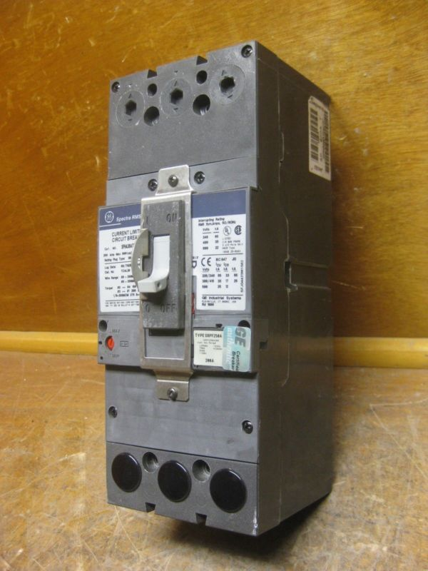Ge General Electric Sfha36at2200c 250a Spectra Circuit Breaker W 200 Amp Plug Breaker Plug Circuit Spectra Electric G Circuit General Electric Pay Phone