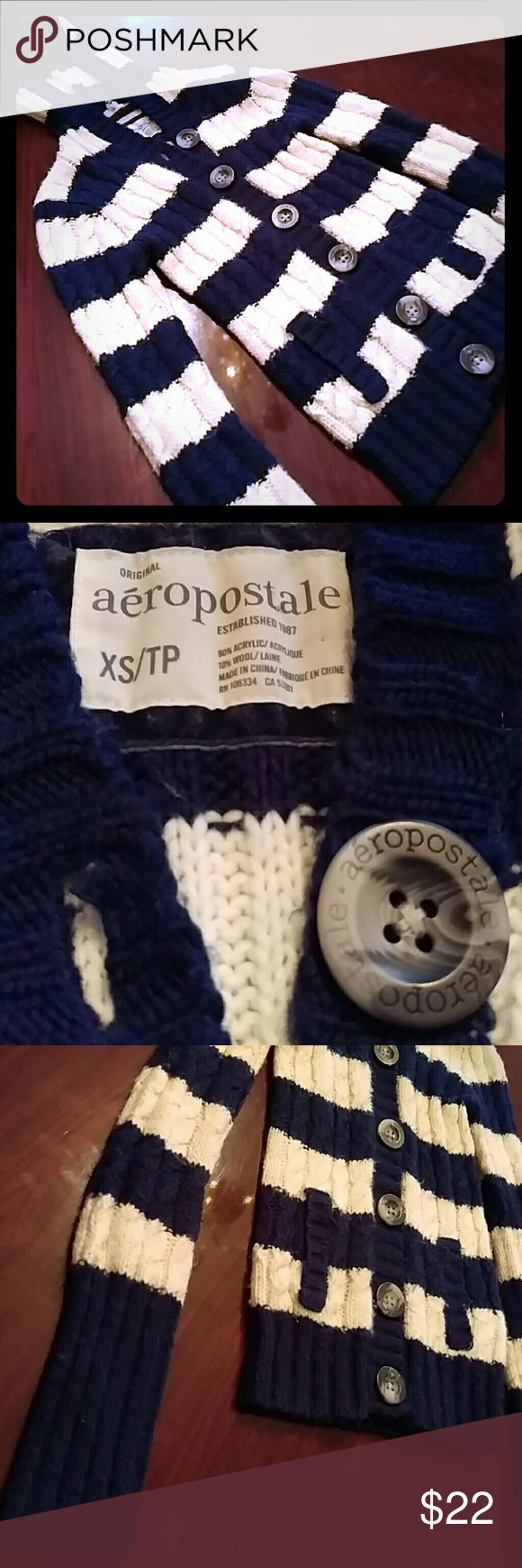 ✨FREE SHIPPING✨Aeropostale cable knit hoodie Free shipping until 6:45 PM EST ..... Women's navy blue and white XS Aeropostale cable knit hoodie Aeropostale Sweaters