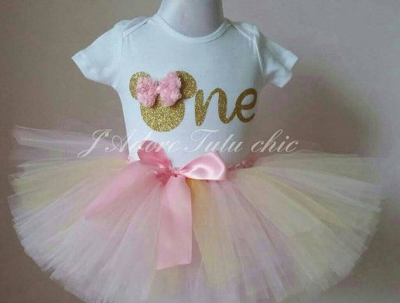 Check out this item in my Etsy shop https://www.etsy.com/ca/listing/214731234/pink-and-gold-minnie-mouse-birthday